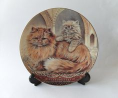 Vintage Royal Worcester Wall Plate - Cats and Kittens Cream Persian - 1990