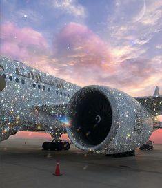 Emirates with some Bling 😍 📸IG: sarashakeel Boujee Aesthetic, Bad Girl Aesthetic, Aesthetic Photo, Aesthetic Pictures, Glitter Kunst, Glitter Art, Sparkles Glitter, Glitter Nails, Photo Wall Collage