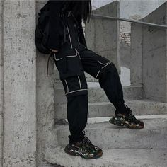 Aesthetic Grunge Outfit, Aesthetic Clothes, Edgy Outfits, Cool Outfits, Harajuku Fashion, Fashion Pants, Pants For Women, Street Wear, Cargo Pants