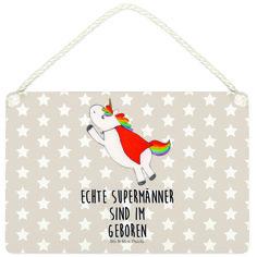 Deko Schild Einhorn Superman Geburtstag aus MDF  Weiß - Das Original von Mr. & Mrs. Panda.  Ein wunderschönes Schild aus der Manufaktur von Mr. & Mrs. Panda - die Schilder werden von uns direkt nach der Bestellung liebevoll bedruckt und mit einer wunderschönen Kordel zum Aufhängen versehen.    Über unser Motiv Einhorn Superman Geburtstag  Hol dir das Superman-Einhorn, wenn du auch glaubst, dass jedes Mädel einen Superhelden verdient hat. Wenn im Superman-Kostüm dann auch noch ein Einhorn…