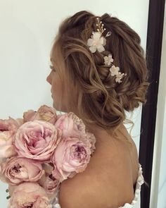"""Sharon Wilkes-Burt  👰🏼💗 on Instagram: """"✨MASTERCLASS✨  C'mon it has been a while since I last spammed you with my @ulyana.aster masterclass pics.  It was such an amazing…"""" My Last, Master Class, Bridal Hair, Amazing, Instagram, Bridal Hairstyles, Bride Hairstyles, Hairstyle Wedding, Hair Style Bride"""