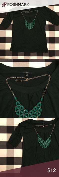 GAP hunter green scoop neck tee GAP hunter green scoop neck tee. Flowy fit with slightly puffy half sleeves. Size small. Cotton mix.  Great condition.  All items from a smoke-free, pet friendly home, laundered in All Free & Clear. Willing to negotiate. Ask me any questions! GAP Tops Tees - Short Sleeve