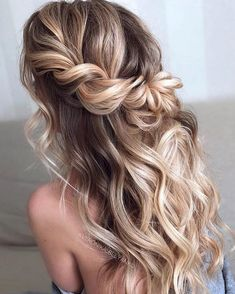 Wedding Hairstyles Half Up Half Down Easy To Do Half Up Hairstyles Twisted Blonde Highlights Prom Hairstyles For Long Hair, Homecoming Hairstyles, Twist Hairstyles, Bride Hairstyles, Trendy Hairstyles, Hairstyle Ideas, Hairstyles Haircuts, Braid And Curls Hairstyles, Formal Hairstyles Down