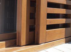 Detalle inferior portón de madera Iscletec