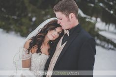 Cedar Rapids Wedding Photographer. Winter Wedding Photography