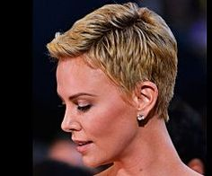 Charlize Theron has always taken risks with her style and hair. See the most inspiring looks for Charlize Theron hair, including the latest look: a hot pixie. Short Hair Cuts For Women, Short Hairstyles For Women, Summer Hairstyles, Cool Hairstyles, Beautiful Hairstyles, Curly Pixie Hairstyles, Pixie Haircut, Haircut Short, Short Haircuts