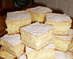 Ez a hamis krémtúrós recept eddig senkinek nem okozott csalódást Hungarian Desserts, Hungarian Recipes, No Bake Desserts, Dessert Recipes, Salty Snacks, Baking And Pastry, Sweet And Salty, Homemade Cakes, Food And Drink