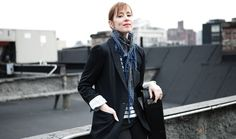 US singer songwriter Suzanne Vega will return to the UK early next year for live shows in January and February. Suzanne Vega, Old Town School, Tom's Diner, Florida Events, Waiting In The Wings, Tom S, Folk Music, Music Icon, Concert Hall