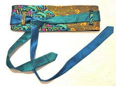 Dishfunctional Designs: Tie One On! Upcycled and Repurposed Neckties Obi style belt made from recycled men's ties by Senseless Art Old Neck Ties, Old Ties, Cinto Obi, Diy Belts, Women's Belts, Tie Crafts, Mens Ties Crafts, Tie Headband, Obi Belt