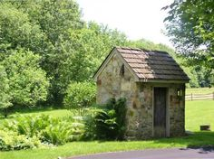 Stone shed.....oh how I want one