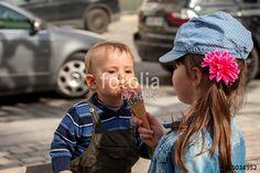 """Laden Sie das lizenzfreie Foto """"Eisschlecker"""" von Photocreatief zum günstigen Preis auf Fotolia.com herunter. Stöbern Sie in unserer Bilddatenbank und finden Sie schnell das perfekte Stockfoto für Ihr Marketing-Projekt!"""