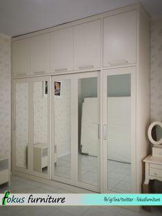 Lemari pakaian pintu sliding kaca cermin