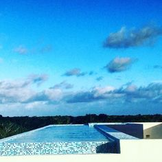 Sky pool Coordenada Perfecta #photooftheday #pool #sky #blue #bluesky #coordenadaperfecta #tulum #infinitypool #views #boutique #architecture #perspective #mood #clouds #picoftheday #happiness #comingsoon #spaces #design