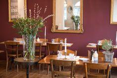 La Stazione - Restaurant Saal Dübendorf bei Zürich Restaurant, Table Settings, Place Settings, Restaurants, Dining Room