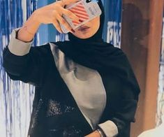 Image in phone 📱 💻 collection by 𝑁𝑢𝑈𝑟 𝑆𝑎𝑙𝑎ℎ♕ on We Heart It Niqab Fashion, Modest Fashion Hijab, Modern Hijab Fashion, Street Hijab Fashion, Hijab Fashion Inspiration, Cute Photography, Couple Photography Poses, Chicas Dpz, Hijab Collection