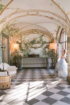Roman villa wedding | Rochelle Cheever Photography | see more on: http://burnettsboards.com/2015/03/floral-inspired-roman-villa-wedding/