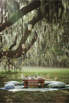 Garden party with string lights Follow Gravity Home: Blog - Instagram - Pinterest - Bloglovin - Facebook