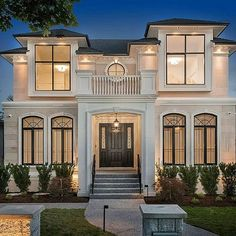 most perfect modern dream house exterior design ideas 29 Classic House Exterior, Classic House Design, Rustic Exterior, House Front Design, Dream House Exterior, Dream Home Design, Modern House Design, Exterior Design, Luxury Homes Dream Houses
