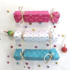 Fabriquez de jolies pochettes-surprises pour les anniversaires et les fêtes en famille ou entre amis. Un DIY très facile avec notre gabarit à télécharger...