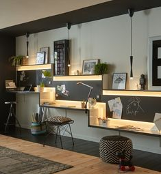Home office is a very important idea for you who work at home. So, you don't need to go outside to work, because your home will be just like you office too Home Office Space, Small Office, Home Office Design, Home Office Decor, Home Interior Design, House Design, Home Decor, Black Office, Office Designs