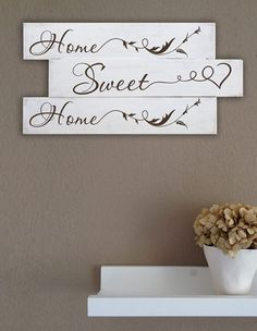 Arredo shabby chic pannelli murali in legno home sweet for wedding decor shabby chic Decorazioni shabby chic,idee shabby per la tua casa Shabby Chic Homes, Shabby Chic Decor, Learning Tower, Chabby Chic, Decoupage, Stencils, Wedding Decorations, Sweet Home, Home And Garden