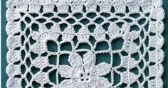 Quadrado de crochê com florzinha central.         Grafico