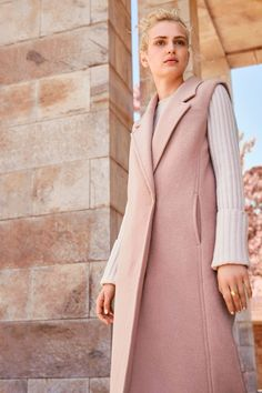 One piece, three ways: the sleeveless coat