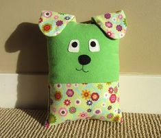 Dog & Cat Pillow Pattern Tutorial PDF Sewing Pattern with Pocket for Tooth Fairy Pillow, Small Pillow for Toddlers to Tweens Make a cuddly Dog or Cat Pillow with an optional pocket on the back perfectly sized for the Tooth Fairy. The smaller siz. Fabric Toys, Fabric Scraps, Paper Toys, Diy Sewing Projects, Sewing Crafts, Sewing Ideas, Tooth Fairy Pillow, Cat Pillow, Small Pillows