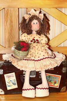 Coleção Queridinhas - Paulinha (projeto) Elvis Presley Cake, Ugly Dolls, Waldorf Dolls, Sewing Toys, Soft Dolls, Fabric Dolls, Softies, Doll Toys, Doll Clothes