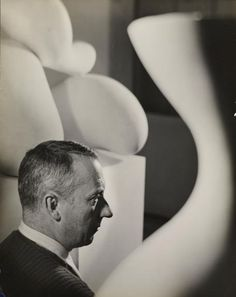 Portrait of Arp, 1934 by Florence Henri Martini, Florence Henri, Hans Arp, Experimental Photography, Portraits, Female Photographers, Photography Women, Futuristic, Pictures