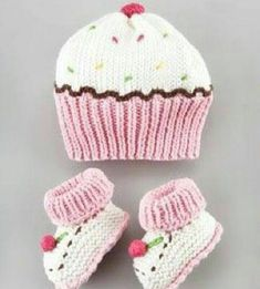 Cupcake+Hat+and+Bootie+Set+by+Art+Walk+at+Neiman+Marcus. Cupcake+Hat+and+Bootie+Set+by+Art+Walk+at+Neiman+Marcus.My future baby girl will think she is a cupcake! Art Walk Cupcake Hat and Bootie SetCupcake hat (forget the bootees!Such cute and fun hat and Knitted Baby Clothes, Baby Hats Knitting, Crochet Baby Hats, Knitting For Kids, Knit Or Crochet, Baby Knitting Patterns, Loom Knitting, Knitting Projects, Crochet Projects