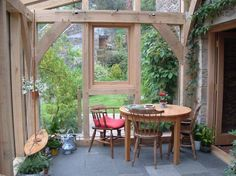 A small lean to oak extension in Fife, Scotland. An example of what can be achieved with a small space and limited budget, using oak framed extensions. Conservatory Interiors, Lean To Conservatory, Conservatory Extension, Conservatory Ideas, Garden Room Extensions, House Extensions, Oak Framed Extensions, Oak Frame House, Curved Pergola
