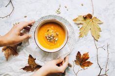 Food Energetics is about how food affects your body based on cycles in nature and how the food grows. Everything Is Energy, Health Eating, Eating Healthy, Healthy Living, My Cookbook, Intuitive Eating, Pumpkin Soup, Homemade Soup, Food Trends