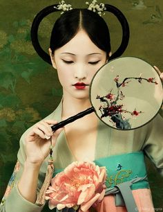 New work for new series! Photography/Styling: Zhang Jingna  Model: Claire Hsu Makeup: Tatyana Harkoff Hair: Erol Karadag  Background image from The Metropolitan Museum of Art New York's public domain collection | #chinese #hanfu #汉服 #chinesecostume #traditional #clothing #oriental #makeup #beauty