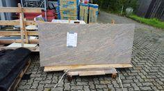 Lieferung der #Granit #Tischplatte, Material Juparana Colombo.   http://www.maasgmbh.com/aktuelle-goettingen-juparana-colombo-granit-tischplatte-goettingen-juparana-colombo
