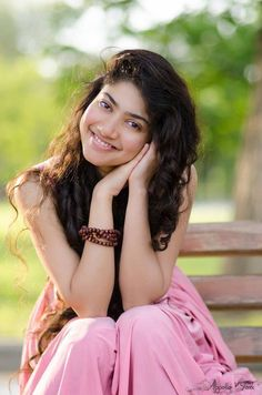 Sai Pallavi hot images and semi nude photos from latest photoshoots are sensational. Here are the hot pics of ​Sai Pallavi in bikini, saree, and jeans. Indian Actress Photos, Indian Film Actress, Best Actress, Indian Actresses, Actress Pics, South Actress, South Indian Actress, Cute Photos, Hd Photos