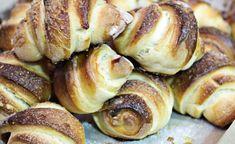 Pan Relleno, Pan Dulce, Pretzel Bites, Doughnut, Baking Recipes, Sprouts, Sweets, Vegetables, Cooking