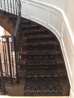 A stunning staircase project!  Thanks to our salesperson Sherry at our Newmarket location and her clients for their vision.  Amazing work by our carpet installers.  Carpeting; Royal Dutch - Lake Como