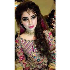 ❤ this look I created for this stunner's mehndi! The color play that is making the makeup stand out is especially gorgeous. 😍😍 Book an appointment with Zarpash for her signature for a modern, understated glamorous look. Send us a ✉DM or call at ☎️ 0512655188-166 to book an appointment #zarpashmustapha #zarpashatsobias #islamabad #instabeauty #makeup #beauty #summer2016 #zarpashsbrides #bridalmakeup #brides #pakistan