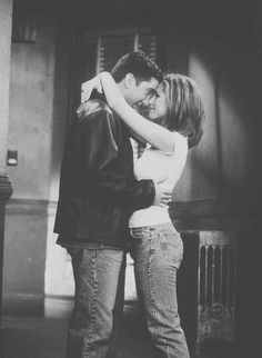 Jennifer Aniston and David Schwimmer in Friends Friends Tv Show, Serie Friends, Friends Moments, Friends Forever, Rachel Friends, Best Tv Shows, Best Shows Ever, Favorite Tv Shows, Ross Geller
