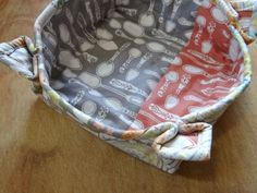 Microwave Bowl Potholder From a simple quilted square