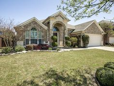 10216 Crowne Pointe Lane, Fort Worth, TX - $234,000, 4 Beds, 2 Baths. This wonderful home offers nearly 2500 sq ft of living on a quiet cul-de-sac surrounded by larger homes.  Stand out features include the enormous kitchen with an abundance of cabinets and gas cook-top open to the family room and breakfast area, sizeable master bedroom with additional 10x7 sitting area and the elaborate outdoor living area...