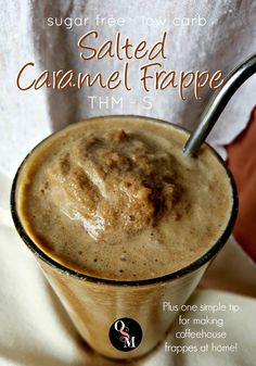 The secret to making an amazing sugar free Salted Caramel Frappe like a coffeehouse barista is so simple, you'll wonder why you didn't think of it already. Low carb, sugar free, THM S friendly! Low Carb Drinks, Low Carb Smoothies, Smoothie Drinks, Healthy Drinks, Smoothie Recipes, Milkshake Recipes, Fruit Smoothies, Trim Healthy Mama Plan, Trim Healthy Recipes