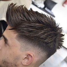 Popular men's hairstyles in 2017 are a little different than than last year's trends. Overall we're seeing more length, more texture and more messiness. While 2016 moved away from those Mad Men-inspired looks by trading