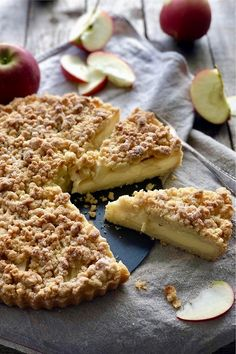 Apfel Streusel Tarte mit Vanillepudding - Lissi's Passion This apple crumble tart with custard can r Desserts Français, French Desserts, Italian Desserts, French Recipes, Cupcake Recipes, Snack Recipes, Dessert Recipes, Snacks, Pumpkin Spice Cupcakes