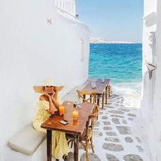 Found this darling cafe at the edge of Mykonos' town. #mykonos #greece