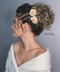 Baddie Hairstyles, Crown Hairstyles, Wedding Hairstyles, Curly Bridal Hair, Bridal Hair And Makeup, Curly Hair Drawing, Wedding Makeover, Curly Hair Styles, Natural Hair Styles