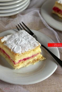 "Diplomatic or ""diplomatic"" cake - Italian Pastries, Italian Desserts, Just Desserts, Italian Recipes, Delicious Desserts, Bolo Cake, Torte Cake, Sweet Recipes, Cake Recipes"