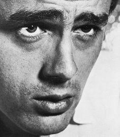 """James Dean en """"Al Este del Edén"""" (East of Eden), 1955"""