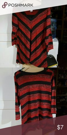 Shark bite chevron tunic Black red & sparkles. What more could a girl want? only nine Tops Tunics